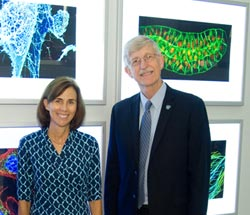 NIH Director Francis Collins with NIH scientist and ASCB President Jennifer Lippincott-Schwartz at the Life: Magnified exhibit. Credit: Charles Votaw Photography.